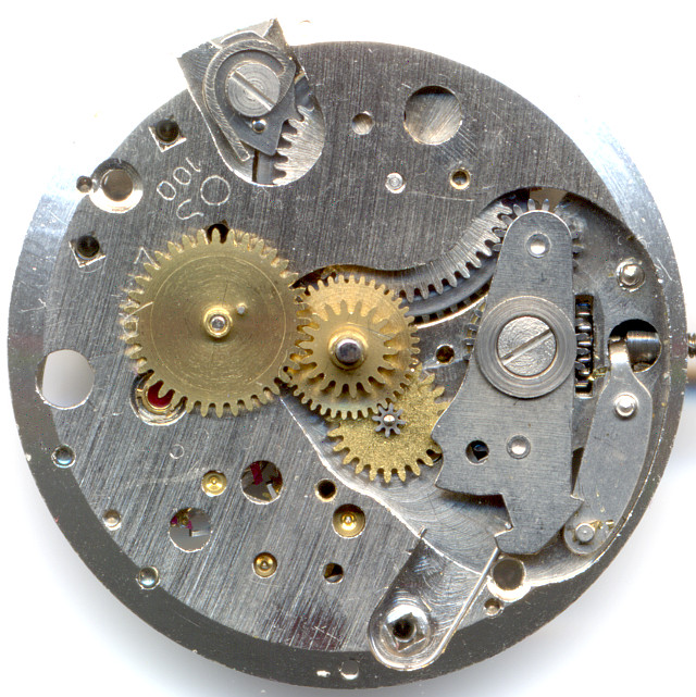 date mechanism on the dial side