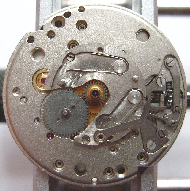 dial side, date indication mechanism